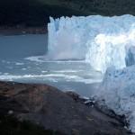 Desprendimiento de un témpano en el Perito Moreno